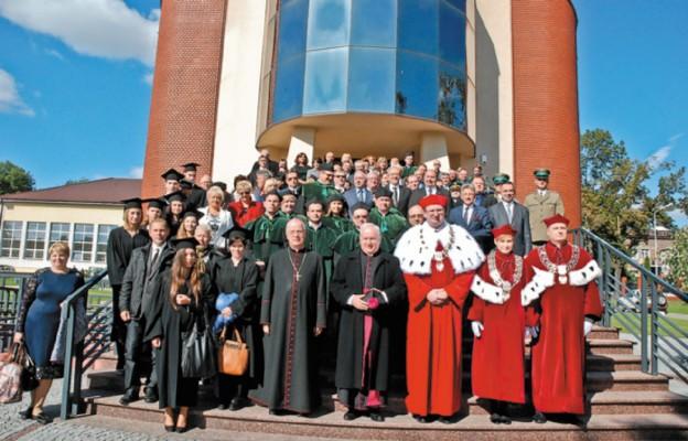Inauguracja roku akademickiego w Państwowej Wyższej Szkole Techniczno-Ekonomicznej w Jarosławiu