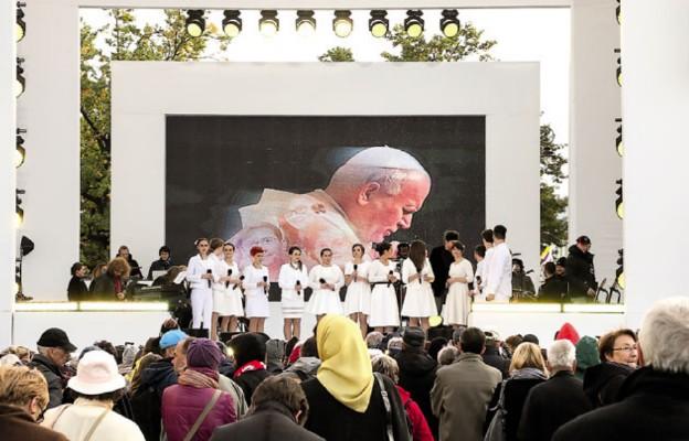 Dzień Papieski na okrągło
