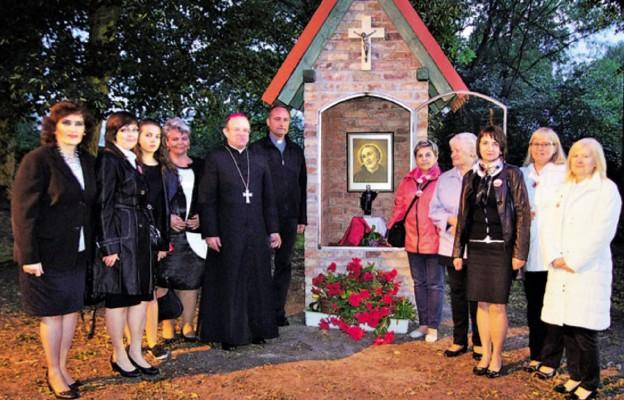 Kapliczka św. Andrzeja Boboli w Karwowie