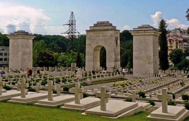 15 lat temu otwarto odbudowany Cmentarz Orląt Lwowskich