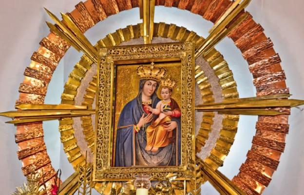 Matka Boża Różańcowa błogosławi