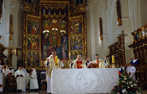 Mszy św. podczas Katedralnych Spotkań Chórów przewodniczył ks. prof. Kazimierz Szymonik
