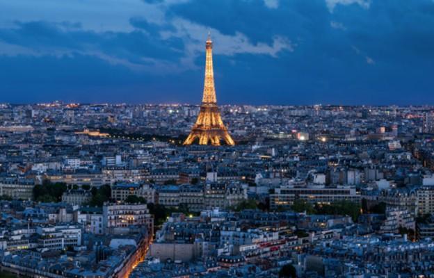 LOT: zgodnie z rozporządzeniem rządu regularne rejsy do Francji zostają zawieszone