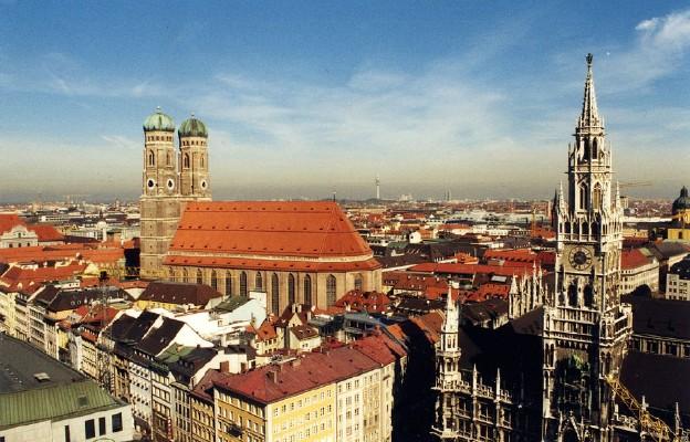 Monachium. Widok z wieży kościoła św. Piotra