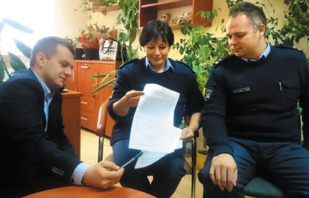 Twórcy i realizatorzy projektu: kpt. Kamil Baczyński, ppłk Hanna Ogonek-Obierzyńska i mjr Dominik Kupczak