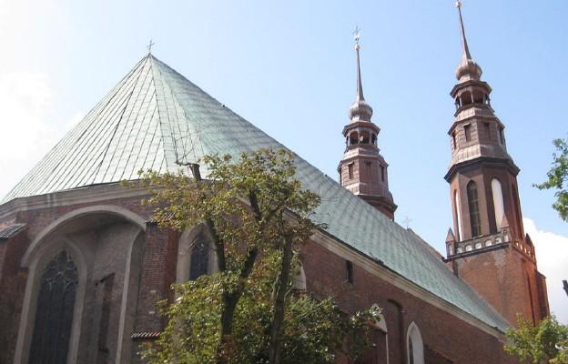 Katedra Świętego Krzyża w Opolu od strony wschodniej