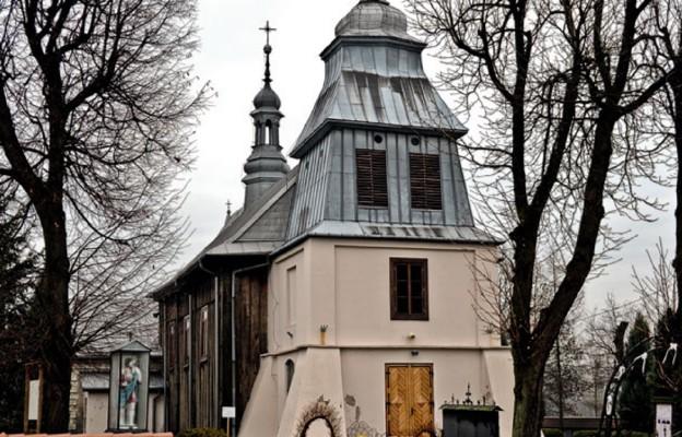 Święty Biskup z drewnianego kościoła