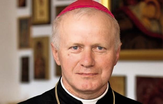 Przemyśl: abp Szal uczestniczył w wigilii dla samotnych i ubogich