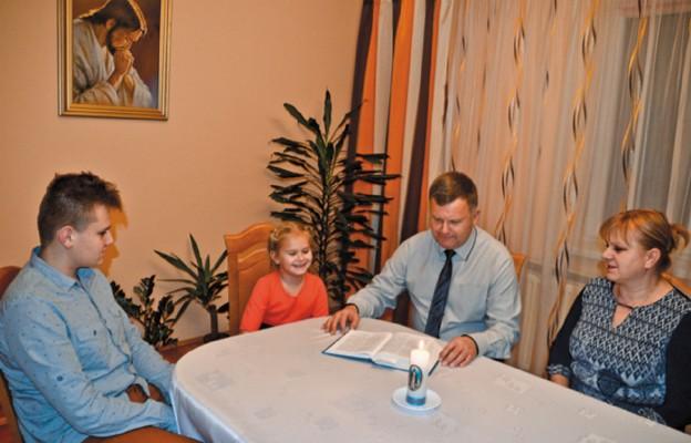 Rodzina Anny i adama Malców z parafii Tarnawa Górna