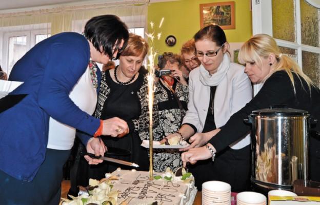 Tort na 20. urodziny wspólnoty