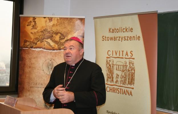 Gościem konfrencji był bp Marian Buczek, emerytowany biskup z Ukrainy