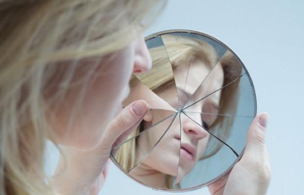 Gdy w lustrze widzę potwora...
