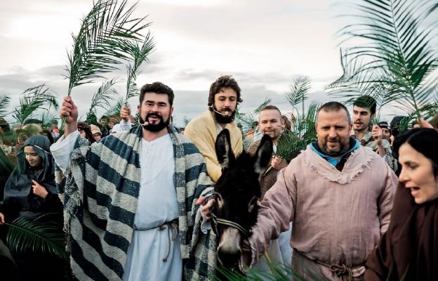 Wjazd Jezusa do Jerozolimy. Misterium w Grębocinie 2015 r.