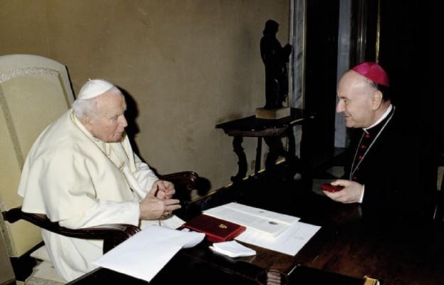 Kard. A. Comastri: Jan Paweł II umiał dostrzec w cierpieniu i bólu nadzieję i okazję do spotkania z Bogiem