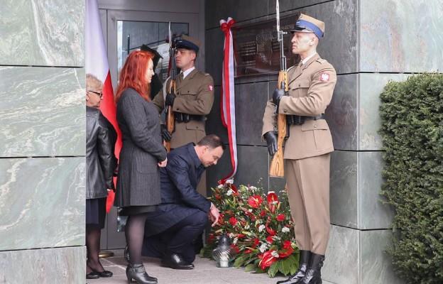 Odsłonięcie tablicy pamięci Władysława Stasiaka i Aleksandra Szczygły
