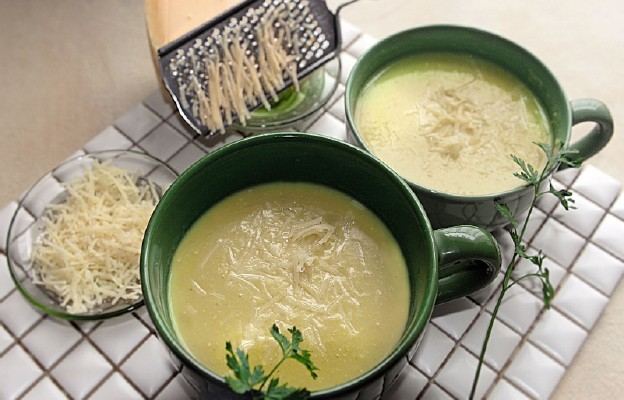 Zupa z porów i ciecierzycy