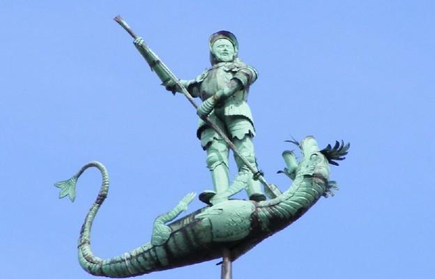 Święty Jerzy walczący ze smokiem. Rzeźba zdobiąca Dwór Bractwa św. Jerzego w Gdańsku
