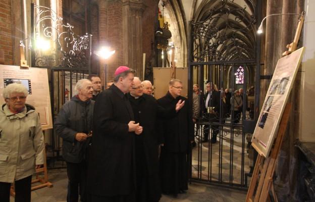 Otwarcie wystawy o św. Janie Pawle II