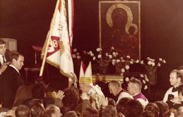 Żywy pomnik Tysiąclecia Chrztu Polski