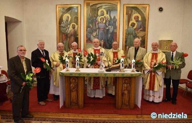 Absolwenci Niższego Seminarium Duchownego w Częstochowie