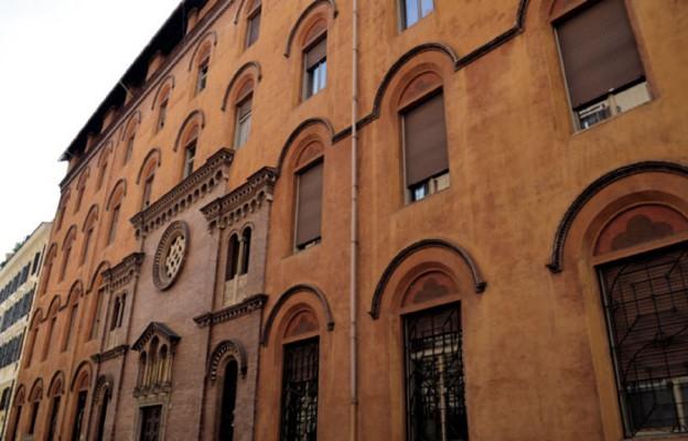 tym gmachu mieści się Polski Papieski Instytut Kościelny im. św. Józefa Sebastiana Pelczara
