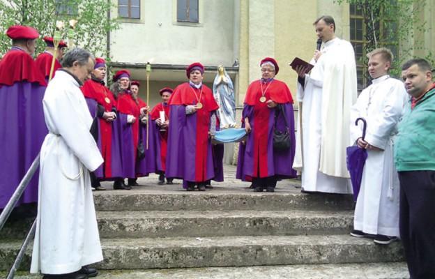 Nabożeństwo majowe z procesją