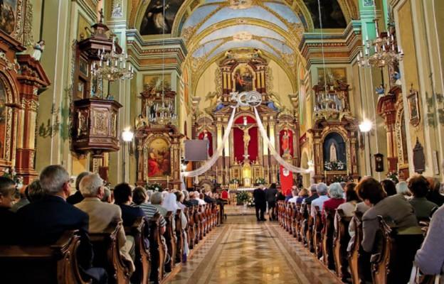 Uroczystości jubileuszowe w jarosławskiej świątyni pw. Trójcy Przenajświętszej