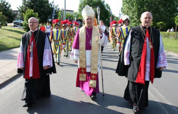 Procesji Jadwiżańskiej przewodniczył abp Wacław Depo