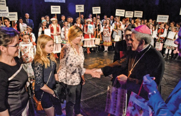 Festiwalowe laury wręczał bp Krzysztof Nitkiewicz