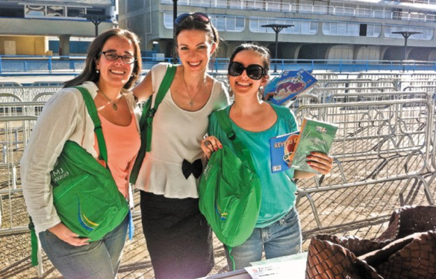Kasia – w środku – z koleżankami Ines i Celiną w czasie Światowych Dni Młodzieży w Rio de Janeiro