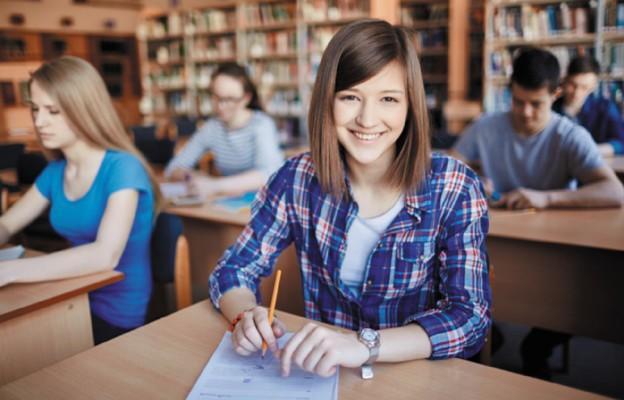 W Dzienniku Ustaw opublikowano rozporządzenie wydłużające starszym uczniom naukę zdalną