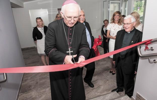 Oficjalnego otwarcia placówki dokonał abp Wacław Depo