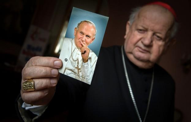 Kard. Dziwisz: Jan Paweł II i ks. Blachnicki byli prorokami i wizjonerami