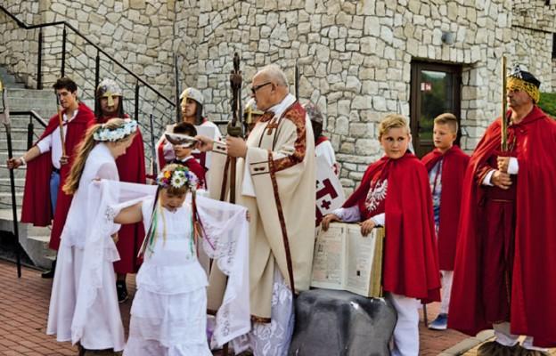 Chrzest łączy kraje i pokolenia