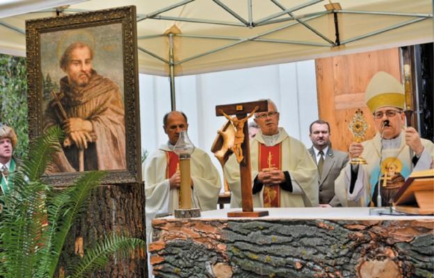 Relikwie patrona leśników w kościele na wodzie