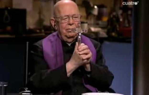 Ojciec Gabriele Amorth: Różaniec sprawia szatanowi ból!
