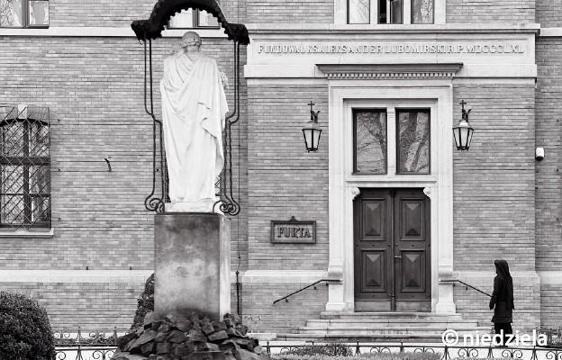Łagiewniki – furta klasztorna