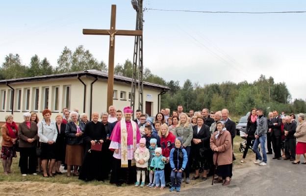 Nowe krzyże w parafii Łysów