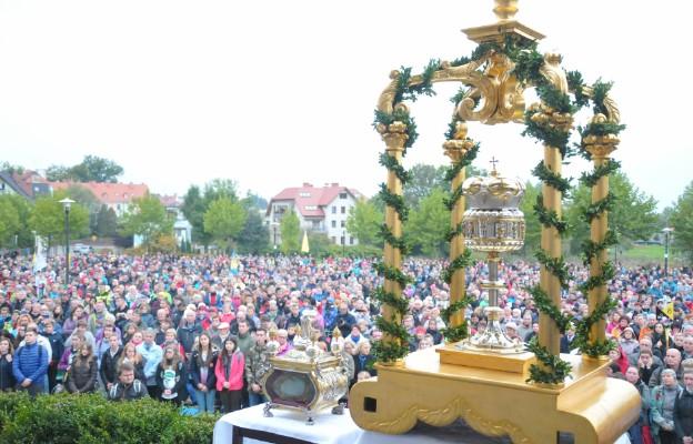 Relikwie św. Jadwigi i bł. Czesława