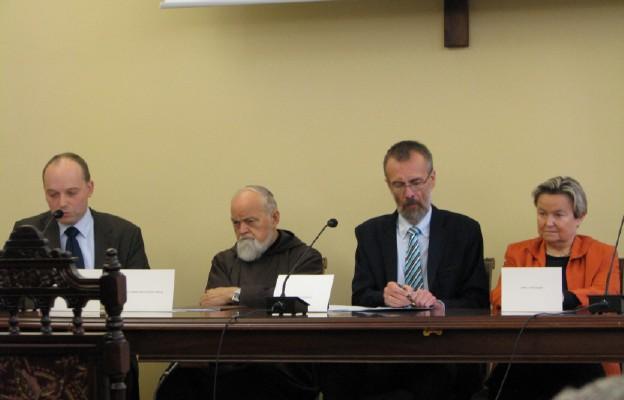 Od lewej P. Skibiński, o. G. Bartoszewski, P. Zuchniewicz, A. Pietraszek