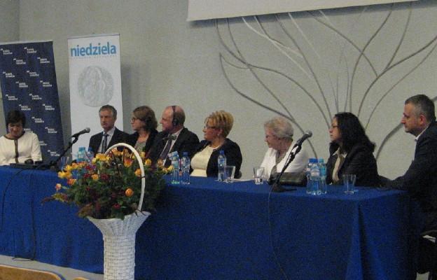 Naukowcy z różnych ośrodków i osoby pracujące na co dzień z seniorami - spotkali się na konferencji w Krakowie