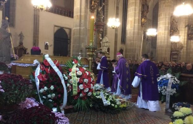 Uroczystości pogrzebowe ks. Jana Sowy
