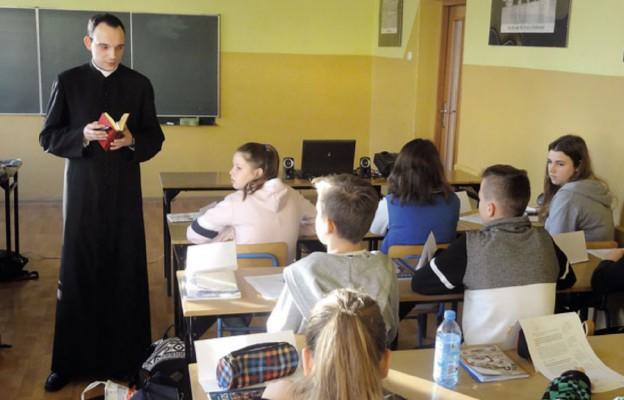 Włochy: 86 proc. dzieci na lekcjach religii