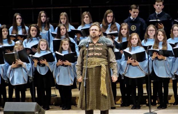 Z moszczenickiej parafii do Filharmonii Łódzkiej