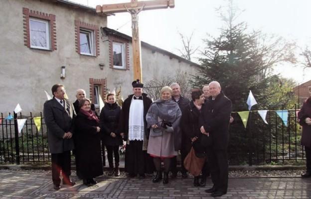 Przydrożne krzyże w parafii Piekary