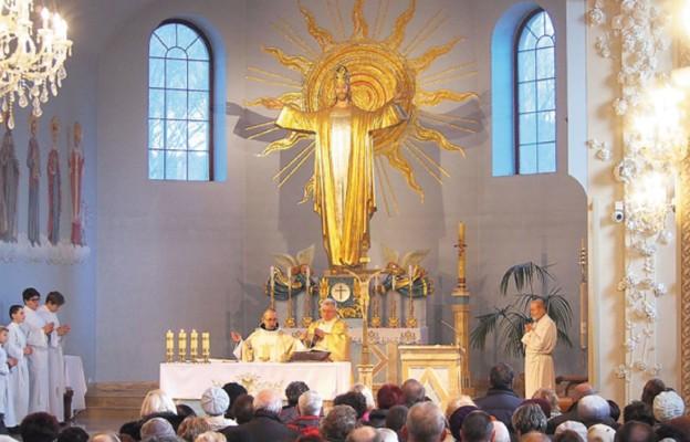 Chrystus króluje w Ustroniu-Zawodziu