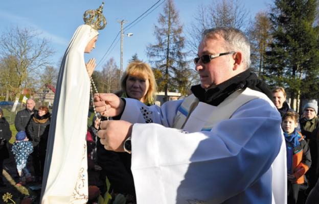 Drogę pokazuje nam Maryja