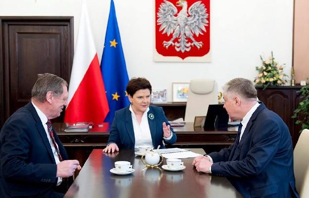 Spotkanie premier Szydło z ministrami Szyszko i Jurgielem