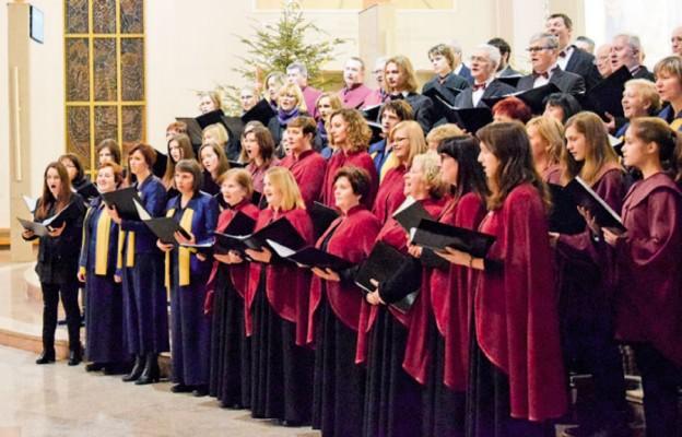 Poszczególne chóry prezentowały się osobno, ale na koniec zaśpiewały wspólnie