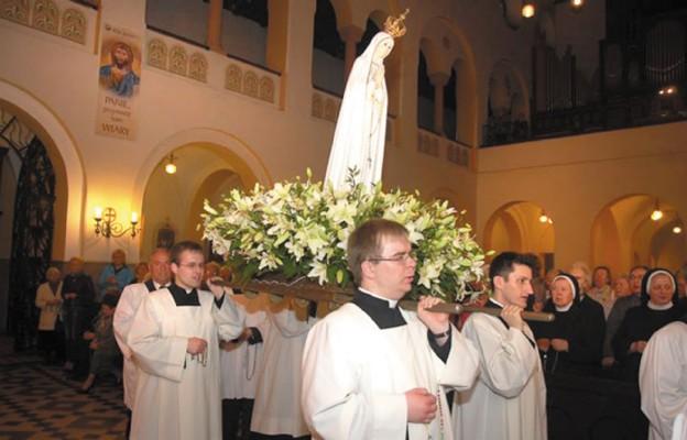 Nabożeństwo fatimskie w parafii św. Bonifacego we Wrocławiu